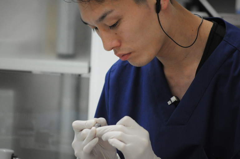 歯科医師 岡本大典